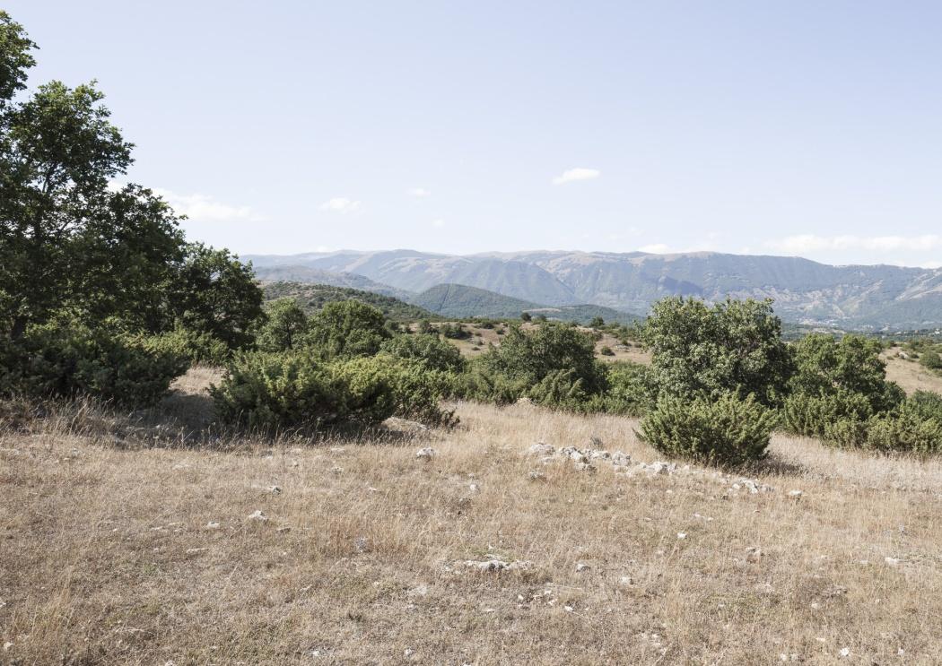 Area dell'epicentro del sisma del 06 Aprile 2009,territorio di Roio (frazione di L'Aquila), Colle Miruci, 42.334N – 13.334E, 934m sul livello del mare Geographic coordinates of the epicentre of earthquake on 6 April 2009, Roio ( district of L'Aquila), Colle Miruci, 42.334N – 13.334E, 934m above sea level
